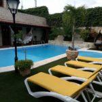 casa con piscina siboney7